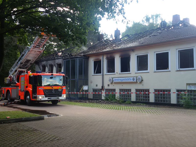 06/2016: Das Vereinsheim vom BSC brennt ab