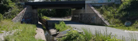 Stadt erneuert Geh- und Radwegbrücke über die Fösse